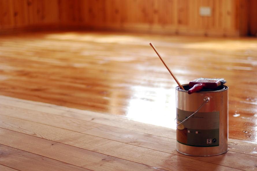 Преимущества пропитки дерева маслом