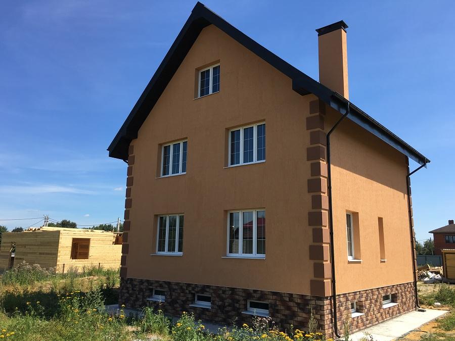 Комплексная отделка фасада двухэтажного кирпичного дома в деревне Бритово (Московская область), фото 2