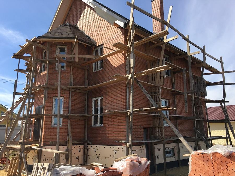 Комплексная отделка фасада двухэтажного кирпичного дома в деревне Бритово (Московская область), фото 14