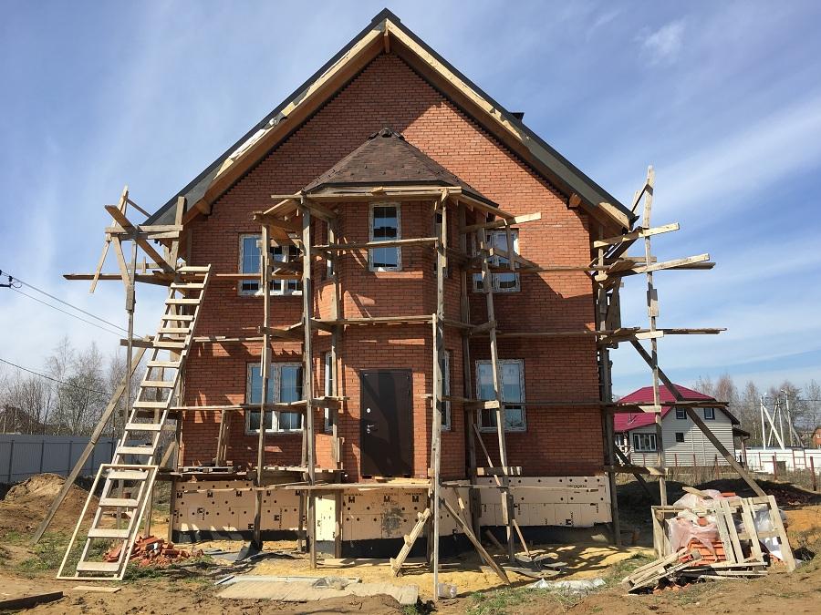 Комплексная отделка фасада двухэтажного кирпичного дома в деревне Бритово (Московская область), фото 13
