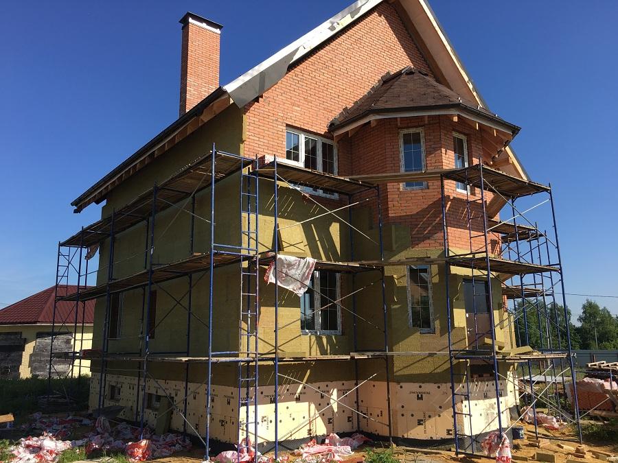 Комплексная отделка фасада двухэтажного кирпичного дома в деревне Бритово (Московская область), фото 12