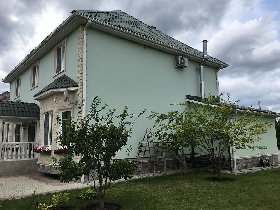 Комплексные работы по отделке фасада жилого двухэтажного дома в Брехово (Московская область), фото 1