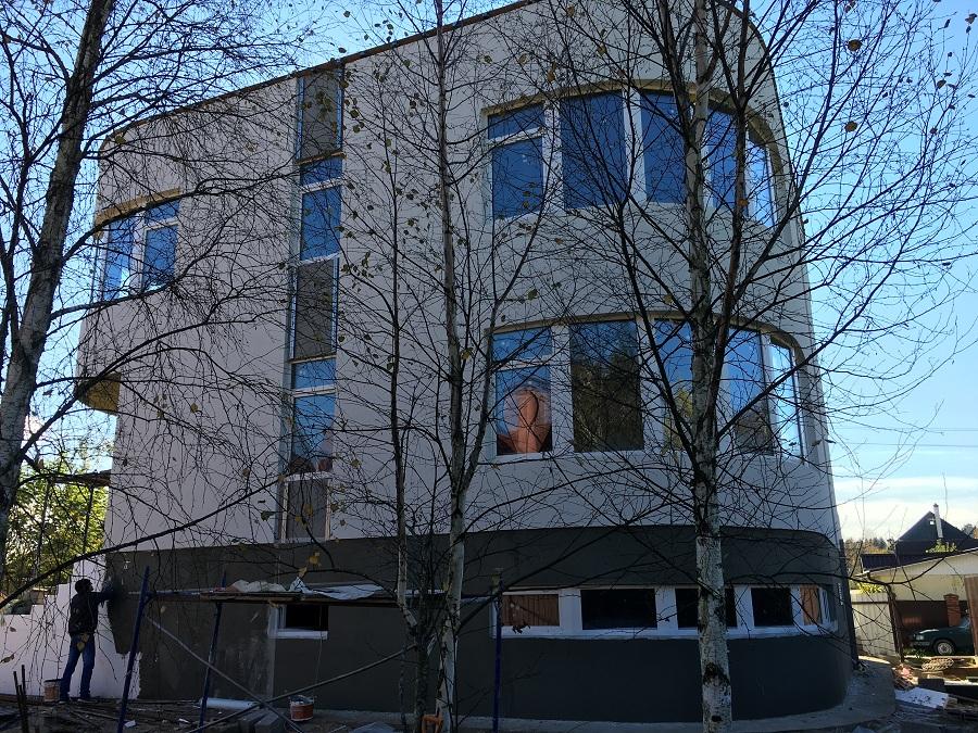Отделка фасада торгово-офисного здания в д. Козино Московской области, фото 3