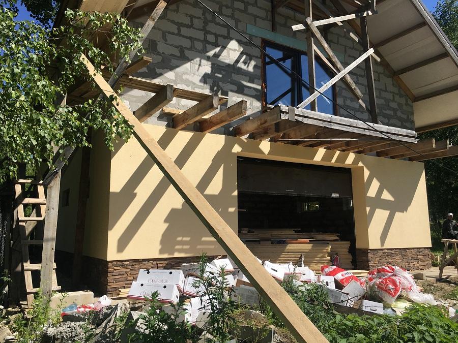 Комплексная отделка фасада двухэтажного жилого дома из блоков, фото 3